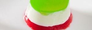 ¿Cómo hacer una gelatina tricolor?