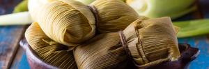 ¿Cómo preparar tamales de huitlacoche con queso?