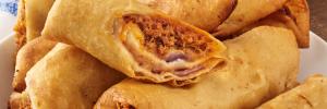 ¿Cómo preparar rollos de carne al pastor con frijoles?